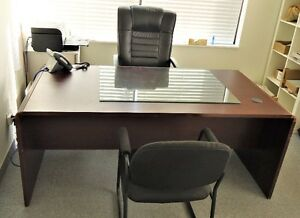OFFICE DESK WITH EXECUTIVE AND GUEST CHAIRS COMBO