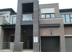 Beautiful new 3-bdrm, 3-bthrm townhome in the heart of Oakville