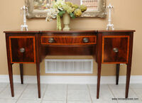 Antique Mahogany Bow front Hepplewhite Sideboard / Buffet