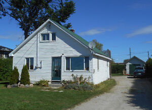 Little Current Starter Home, Manitoulin Island,