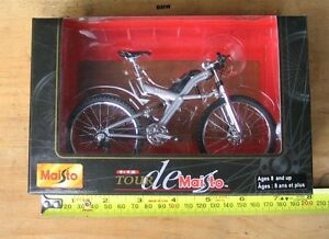 Tour De Maisto collectable bicycles