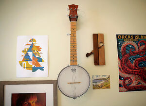 "Gold Tone ""Plucky"" Banjo with Travel Bag"