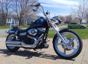 Harley Davidson - Wide Glide (FXDWG)