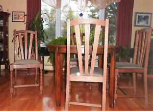 Dining room table and chairs West Island Greater Montréal image 3