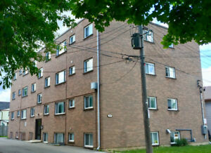 DOWNTOWN 2 BEDROOM APARTMENT - ALL INCLUSIVE - OCT 1st