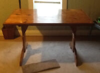 Beautiful pine table for sale