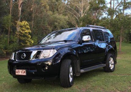 2012 Nissan Pathfinder Wagon **12 MONTH WARRANTY**