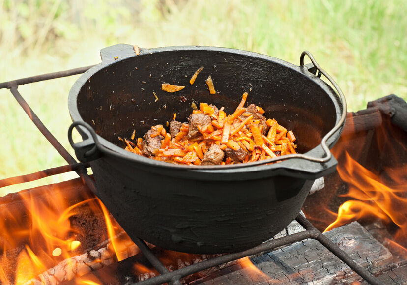 How to Clean a Cast Iron Pot
