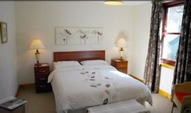 LARGE ROUBLE ROM TO RENT WITH PARKING & BILLS INCLUDED IN RENT, PARKING, WIFI