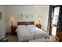 3 double bedrooms split level furnished apartment in heart of Town Centre-PURPOSE BUILT-RB ESTATES