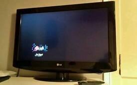 32' LG LCD TV
