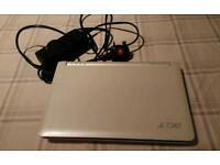 Mini Acer laptop, lenox application works perfectly.