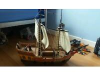 Playmobil pirate ship, treasure island and red coat fort