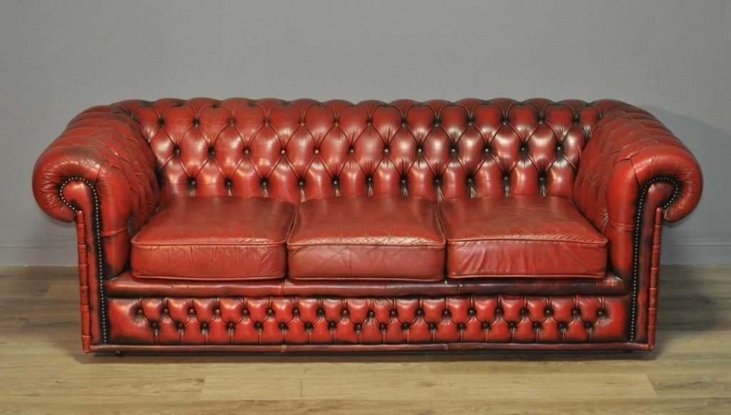 large vintage red leather button back chesterfield 3 seat sofa couch settee in forfar angus. Black Bedroom Furniture Sets. Home Design Ideas