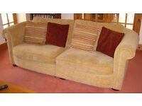 2 matching 3 & 4 seat sofas