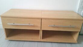 Bed side tables in perfect condition