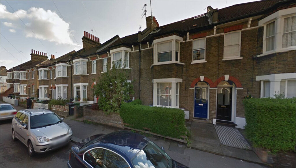 Lewisham SE13. Large, Light & Modern 5 Bed Furnished House with Garden on Quiet Street near Station