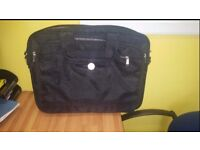Dell laptop bag case brand new conditon. Any laptop fits up to 15.5 screen