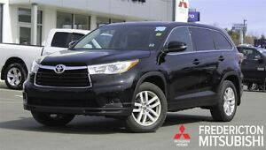 2016 Toyota Highlander LE! AWD! 8-SEATER! BACKUP CAM! ONLY 36K!