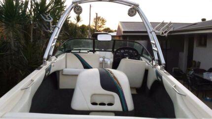 Malibu sunsetter wake boat  Avenell Heights Bundaberg City Preview