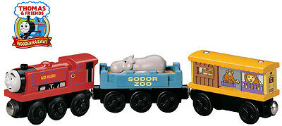 THOMAS THE TANK & FRIENDS - WOODEN IVO HUGH WITH ZOO CARS 2002 **NEW/RETIRED**