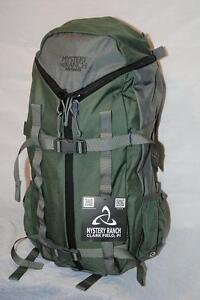 """NEW ! Ski & Snowboard Backpack """"Mystery Ranch Snapdragon"""" / 38L"""