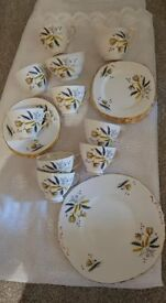 VINTAGE.Colclough Starburst.8 trio's.cake plate. Milk and sugar complete set of 8..27 pieces