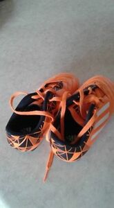 Kids soccer cleats. Size 12