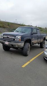 2005 chevrolet z71 4x4 loaded , lifted  $4500
