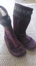 Girls purple suede Clarks boots 7.5 G