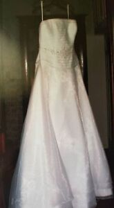 Organza Wedding Gown Kitchener / Waterloo Kitchener Area image 1