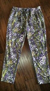 Lululemon Jet Pants - Size 4 (fit a size 6-8 woman)