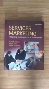 LIVRE MARKETING EN ANGLAIS - SERVICE MARKETING
