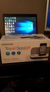 Memorex MA3122 portable speaker for iPod and iPhone 4s