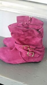 Size 6 toddler fashion boots $5 each Kitchener / Waterloo Kitchener Area image 4