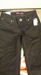Wrangler ladies jeans - Size 3/4x34 (tags attached)