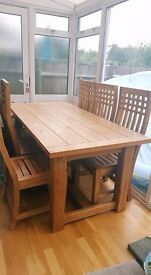 * BEAUTIFUL STURDY 6FT OAK TABLE AND 6 CHAIRS! RETAIL OVER £1000! BARGAIN AT £300