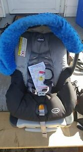 Like new infant car seat and stroller combo