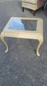 End or small coffee table