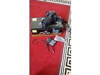 Nikon D5300 Digital SLR camera 18-140 kit lens LIKE NEW
