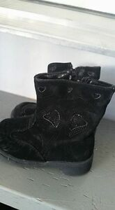 Size 6 toddler fashion boots $5 each Kitchener / Waterloo Kitchener Area image 2
