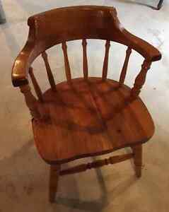 NEW PRICE! GEORGEOUS SET OF 6 SOLID CAPTAIN'S CHAIRS!! Peterborough Peterborough Area image 2