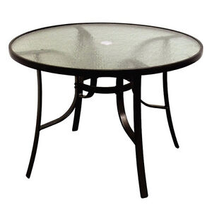 TABLE RONDE EXTERIEUR VITREE CLUB PISCINE - LIKE NEW