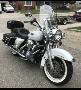 2094 HarleyDavidson Road King Classic-low km's