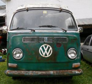 LOOKING FOR WESTFALIA BUS FOR PARTS RECHERCHE WEST POUR PIECES
