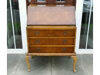 Lovely antique vintage bureau writing desk with 3 drawers. Ideal for upcycling