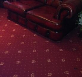 Irish Axminster carpet 25m2 in excellent condition, smoke free and pets free.