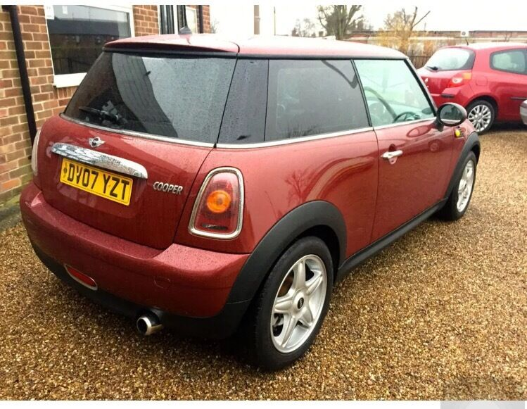 MINI COOPER 2007 1.6 LOW MILEAGE FULL MOT JUST BEEN SERVICED!