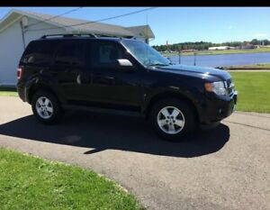 2012 Ford Escape SUV XLT - tons of extras , Great shape
