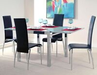 STRUCTUBE JASMINE glass-top extendable dining table (excellent)